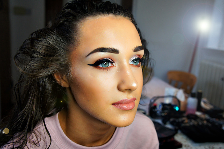 Bold Glamorous Makeup for Prom